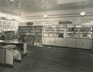Archive of 100 Photographs from New York Photographer Henry Reister, advertising Remington Typewriters, the New York Telephone Directory, Other Various Products, and depicting the People and Architecture of the New York Region c. 1915-1930.